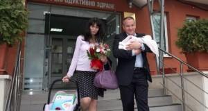 Станишев и Моника кръстиха сина си Георги