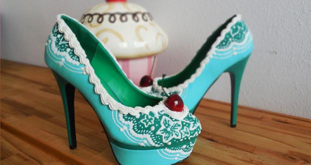Дамски обувки под формата на парче торта
