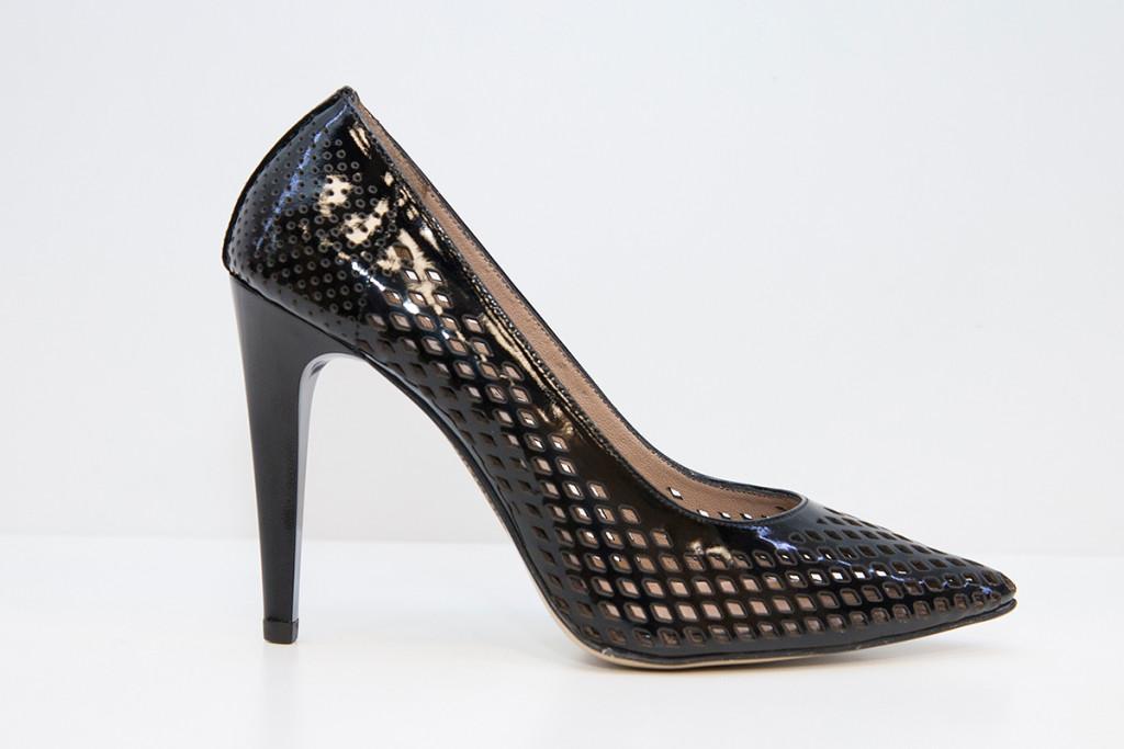 дамска обувка