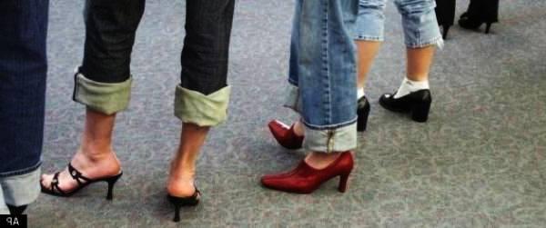 Каква е причината мъжете да не носят обувки на висок ток